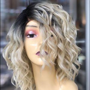 Short bob Wig Blonde Ombré Lacefront SidePart wig